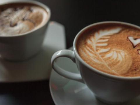Waarom Italianen nooit cappuccino drinken na de middag
