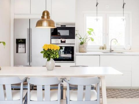 Handdoek Ophangen Keuken : Dit is de slechtste plaats om je keukenhanddoek te hangen