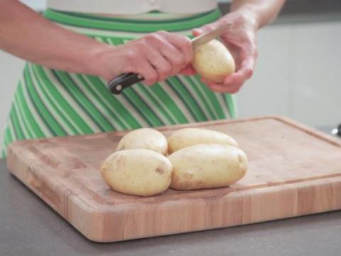 Geschilde aardappelen zonder te schillen...