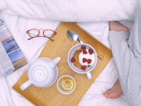 12x ontbijt op bed zonder kruimels 1
