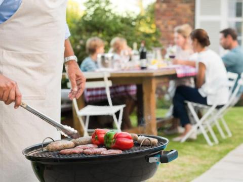 5 manieren om je barbecuerooster schoon te maken