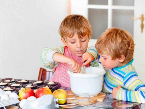Koken met kinderen: dit vinden ze gegarandeerd leuk