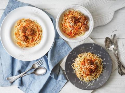 16 Spaghettis