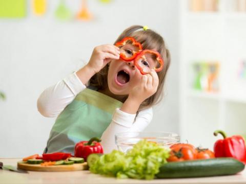 5 tips om veilig te koken met kinderen