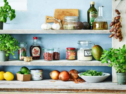 Wat zit er in de keukenkast van Nathalie Meskens? 1