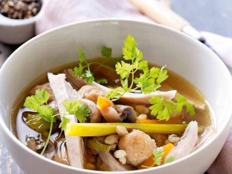 Feit of fabel: helpt kippensoep tegen de griep?