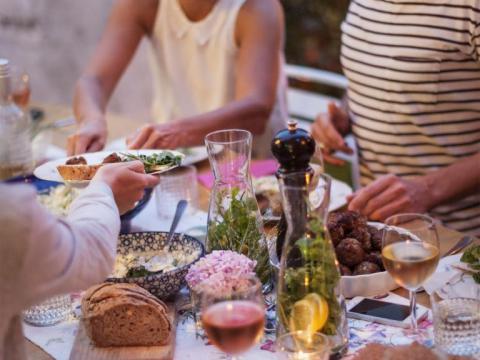 Let's Hygge onthult: de succesformule voor een geslaagd etentje met vrienden!