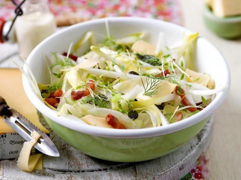 Salades met rauw witloof
