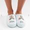 Babyblauwe pantoffels met regenbogen