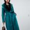 Petroleumblauwe mantel met riem en matching kraag