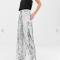 Zilverkleurige broek met pailletten