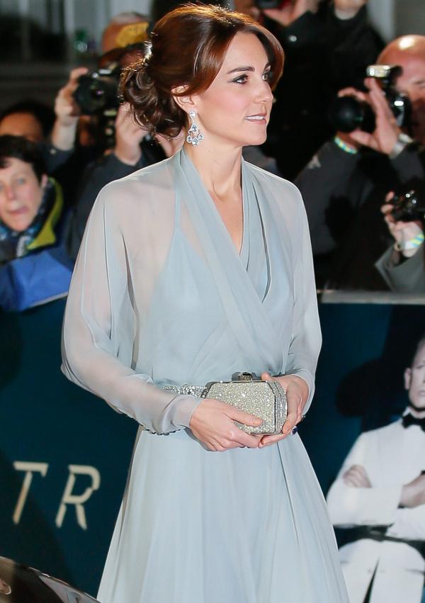 Kate Middleton jurk James Bond