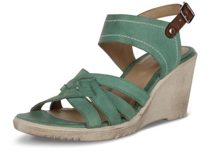 Sandales compensées - Brantano - 69,95€
