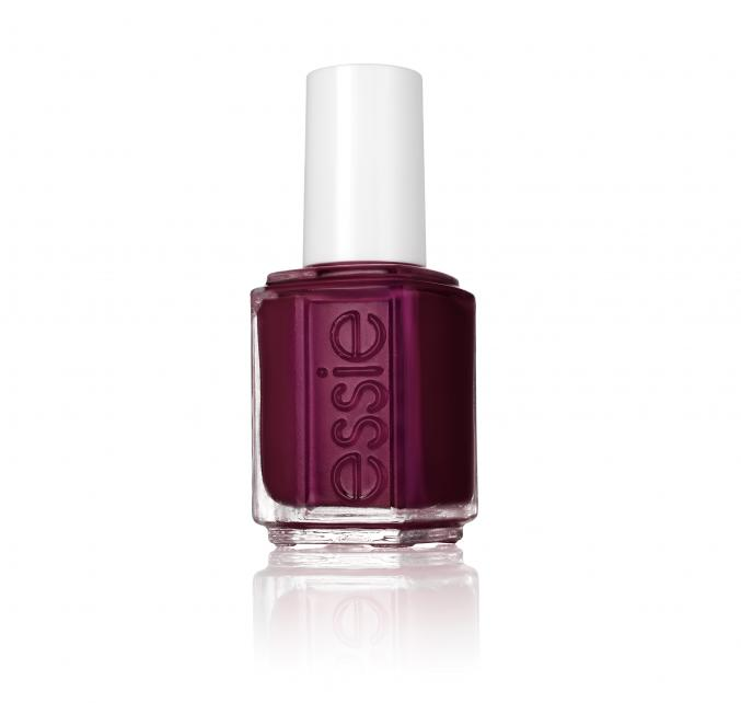 """""""In the lobby"""" (Essie)"""
