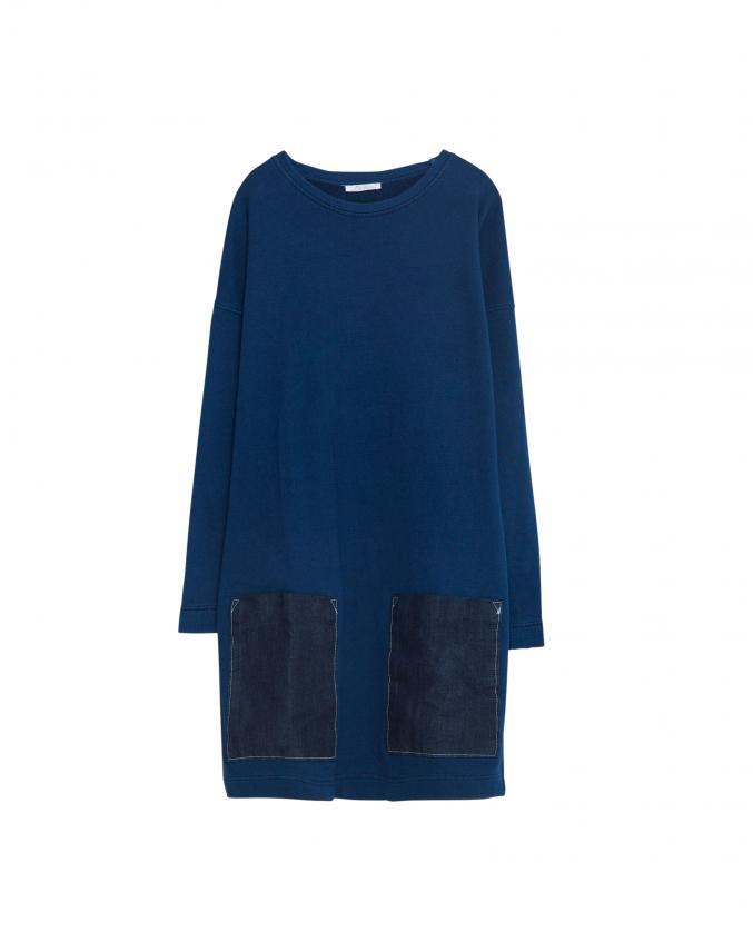 Robe sweat avec poches appliquées, 25,95 €, Zara.