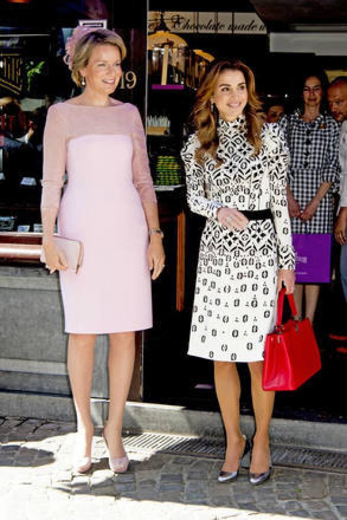 A côté de la reine Rania Al-Abdullah