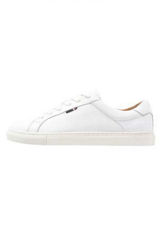 Sneakers en cuir Tommy Hilfiger, 139,95€