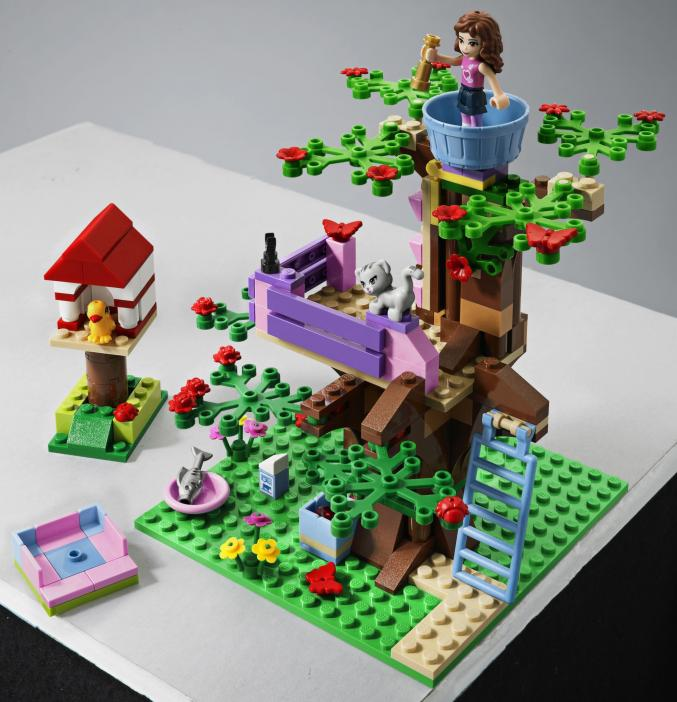 3065 LEGO Friends Oliviasboomhut 19,99
