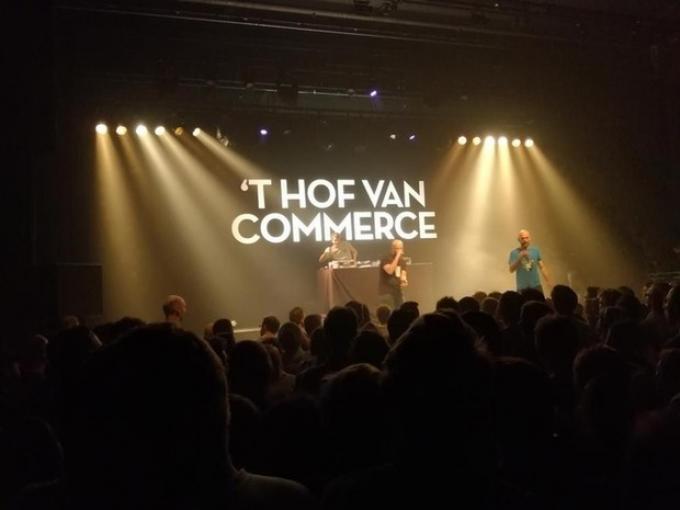 Nieuwe single hof van commerce