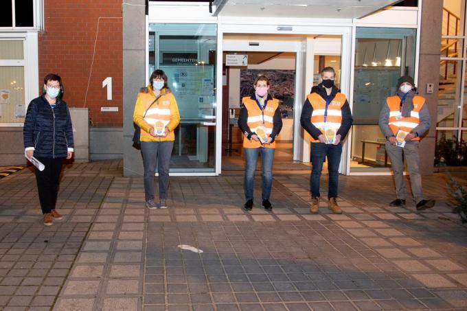 Vrijwilligers van de PZ Vlas trekken op stap voor inbraakpreventie in Lendelede.©Frank Meurisse foto Frank