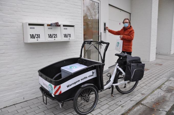 Joost Van de Kerkhove bracht pakketten rond.© PNW