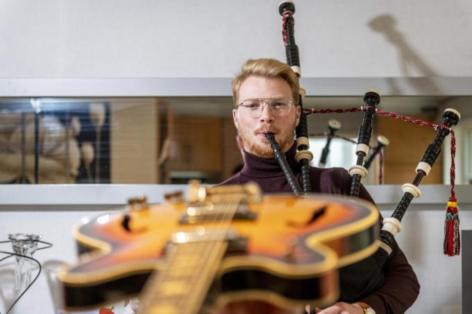 Gil Vermeulen heeft een passie voor muziek en klassieke polshorloges. (Foto Pieter Clicteur)©Pieter Clicteur;Pieter Clicteur