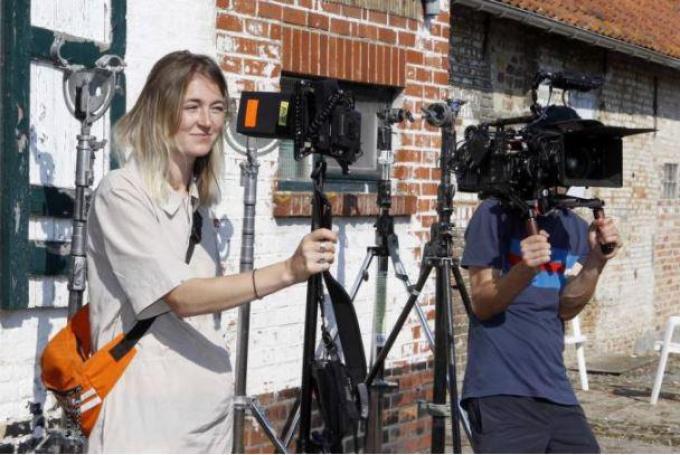 Laura Van Haecke keerde voor de opnames van haar kortfilm even terug naar haar West-Vlaams roots.©Kw Webredactie2 foto Coghe