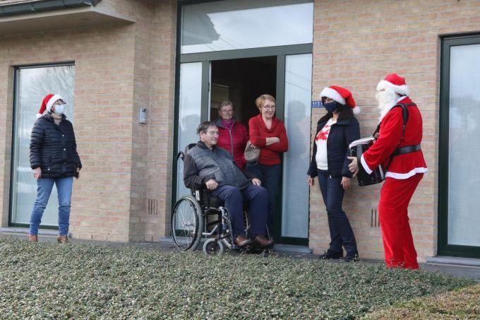 Het was Johny Clarysse die maandagmiddag aanbelde ten huize Noël en Erna Verraes in De Klijte.©Eric Flamand EF