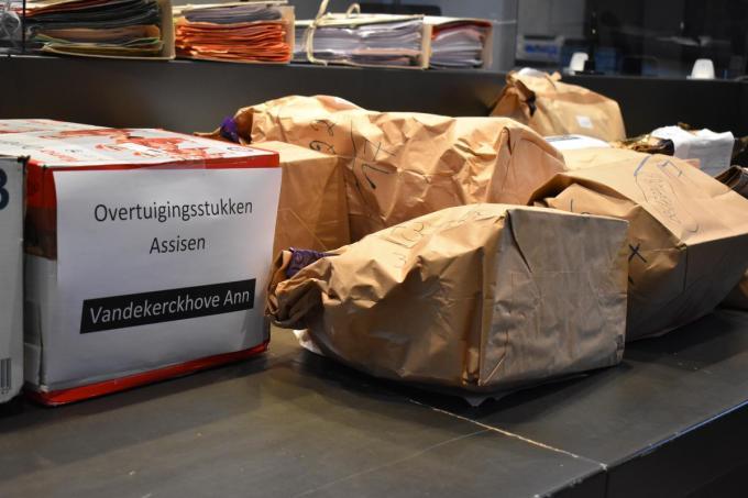 Het dossier tegen Ann Vandekerckhove. (LK)