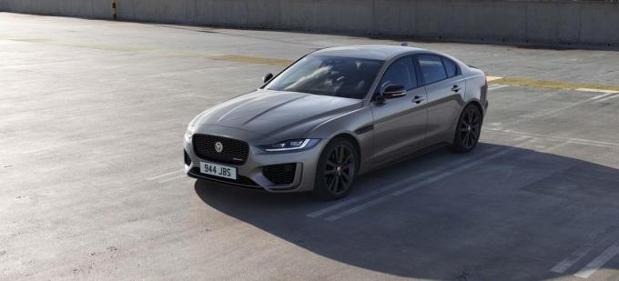 De Jaguar XE oogt zowel stijlvol als sportief.© GF