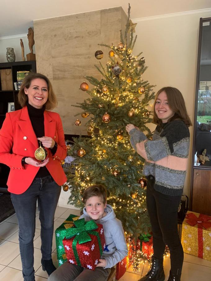 """Emmily Talpe: """"We gaan het thuis met het gezin extra gezellig maken, met extra pakjes voor de kinderen én lekker eten natuurlijk."""" (GF)"""