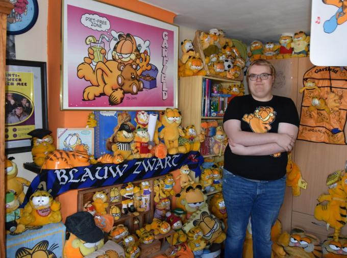 Randy Sap bij zijn uitgebreide verzameling. (foto Nele)