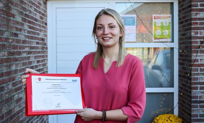 Diëtiste Saartje Hermie uit Wingene haalde haar diploma als menopauzeconsulent en is de enige in de regio. (foto KV)