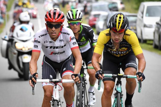 Van 2015 tot en met 2019 was Serge Pauwels (midden) een smaakmaker in de Tour. Hier rijdt hij tijdens de Alpenrit naar Serre-Chevalier in 2017 in de aanval met Alberto Contador (links) en Primoz Roglic (rechts). (foto Belga)©DAVID STOCKMAN BELGA