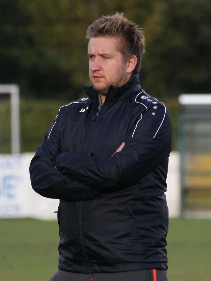 Jens Constant blijft hoofdtrainer bij SK Eernegem.©VDB / Rudy Declerck foto Bart