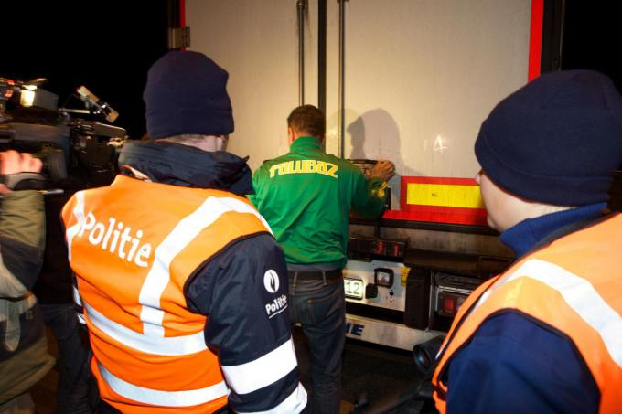 De politie voert de controles op.©KURT DESPLENTER BELGA
