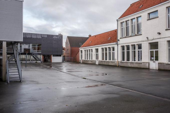 De gemeente heeft ook plannen met de oude jongensschool.© JS
