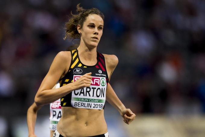 """Carton tijdens haar laatste internationale competitie, het EK in Berlijn in 2018 waar ze de finale van de 5.000 meter liep en dertiende werd. """"Het kriebelt soms wel eens als ik weer ga lopen."""" (foto Belga)©JASPER JACOBS BELGA"""