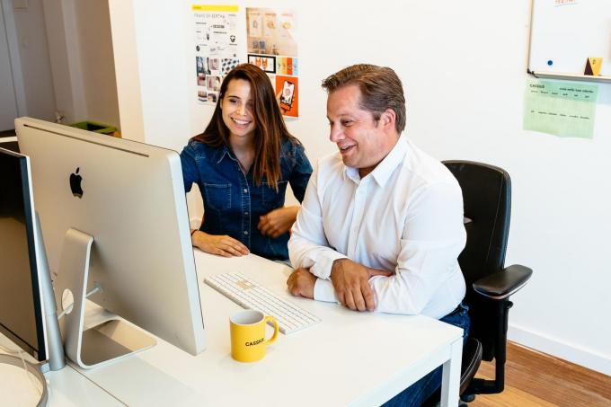 Fre Devos (rechts) opent eerste coworkingspace in hartje Veurne.©MYRIAM VAN DEN PUTTE MVO