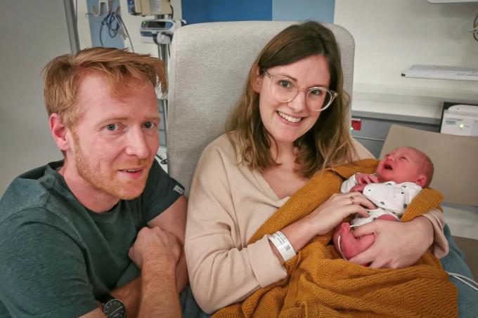 Walt Supeene werd geboren op 25.12.2020. Hij meet 46,5cm en weegt 2,420kg. Papa Tom Supeene, mama Vanessa Hostens en zusje June uit Roeselare zijn in de wolken.© JC