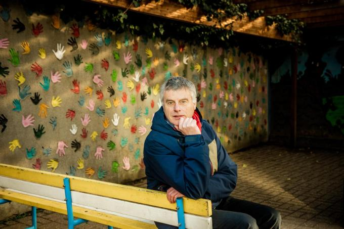 Viroloog Johan Neyts groeide op in Blankenberge maar is intussen wereldvermaard als viroloog aan de KU Leuven en als onderzoeker het Rega-instituut in Leuven.© Christophe De Muynck