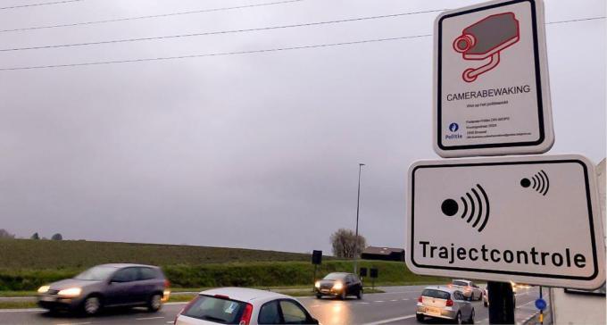 Voorlopig wordt nu enkel in de Doornikserijksweg richting Kooigem aan trajectcontrole gedaan.