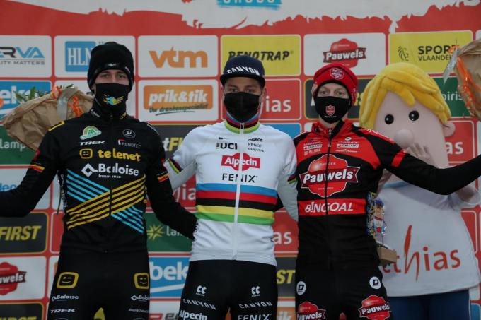 Mathieu van der Poel was de snelste, Toon Aerts en Michael Vanthourenhout kwamen na hem.©VDB / Bart Vandenbroucke VDB