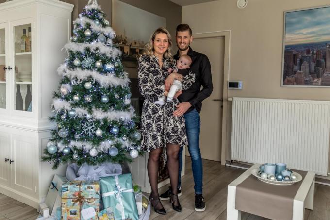 Melissa Parreyn en Thijs Claeys verwelkomden met Legolas (12 augustus 2020) een zoontje in hun gezin. Op oudejaar stappen ze in het huwelijksbootje.©Wouter Meeus