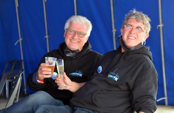 Carl Windels (links), samen met zijn broer Jo tijdens 'Labadoux Bubbelt'.©FODI