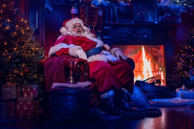 'Kerstman' Stany Crets zong over quarantaine.© Steven Hendrix