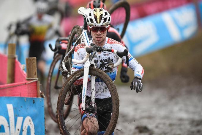 Ondanks een val in Hulst zal Eli Yserbyt toch kunnen starten op het komende BK.©DAVID STOCKMAN BELGA