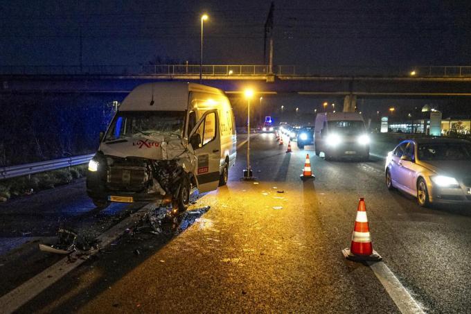 De schade aan de bestelwagen was aanzienlijk.© CL