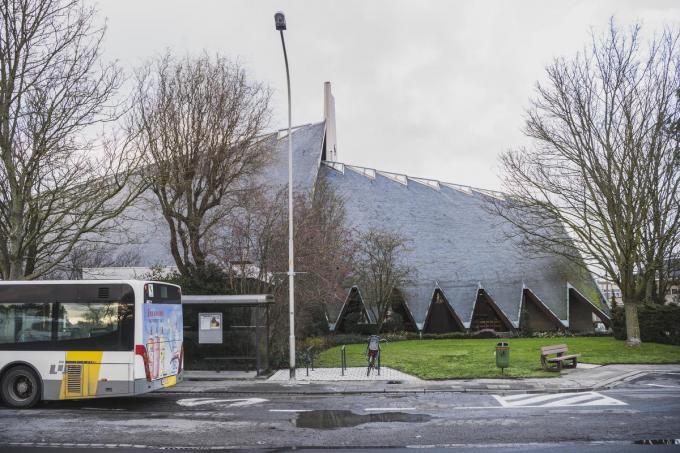 Nieuw Kuurne hekelt het gebrek aan een kerkenplan, waarmee bijvoorbeeld de Sint-Pieterskerk ook alternatieve invulllingen zou kunnen krijgen. (foto OV)©Olaf Verhaeghe