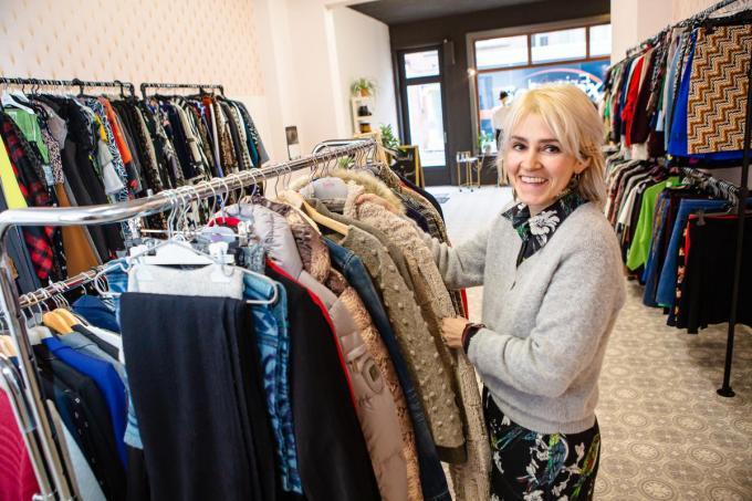 Femke Verfaille in haar nieuwe winkel in de Langestraat. (foto Davy Coghe)©Davy Coghe Davy Coghe
